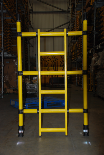 Youngman Boss Zone 1 Fibreglass GRP 850mm x 1.5m 3 rung ladder frame 311543