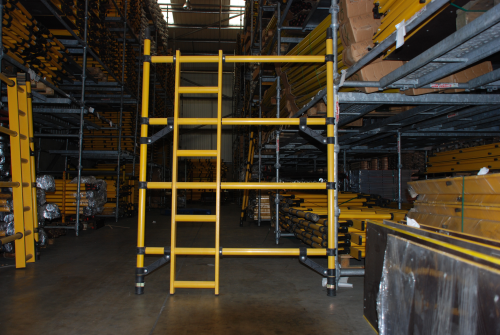 Youngman Boss Zone 1 Fibreglass GRP 1450mm x 2m 4 rung ladder frame 304543
